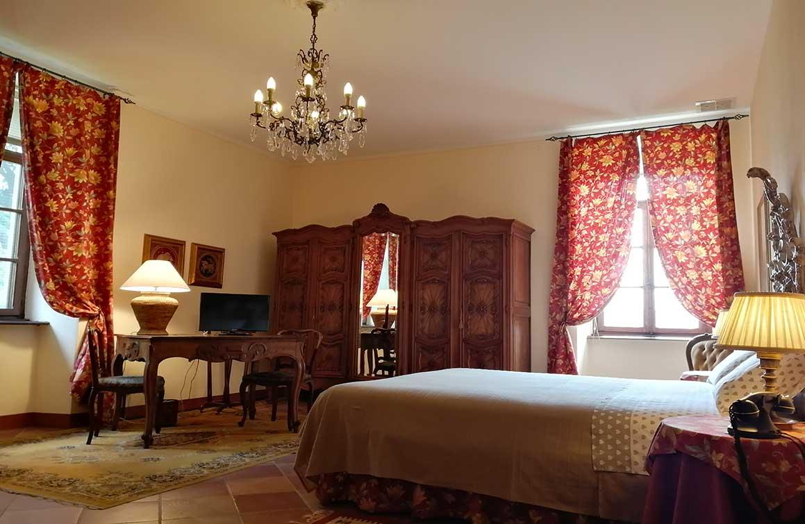 castello-di-camerletto-B&B-caselette-camera-del-conte