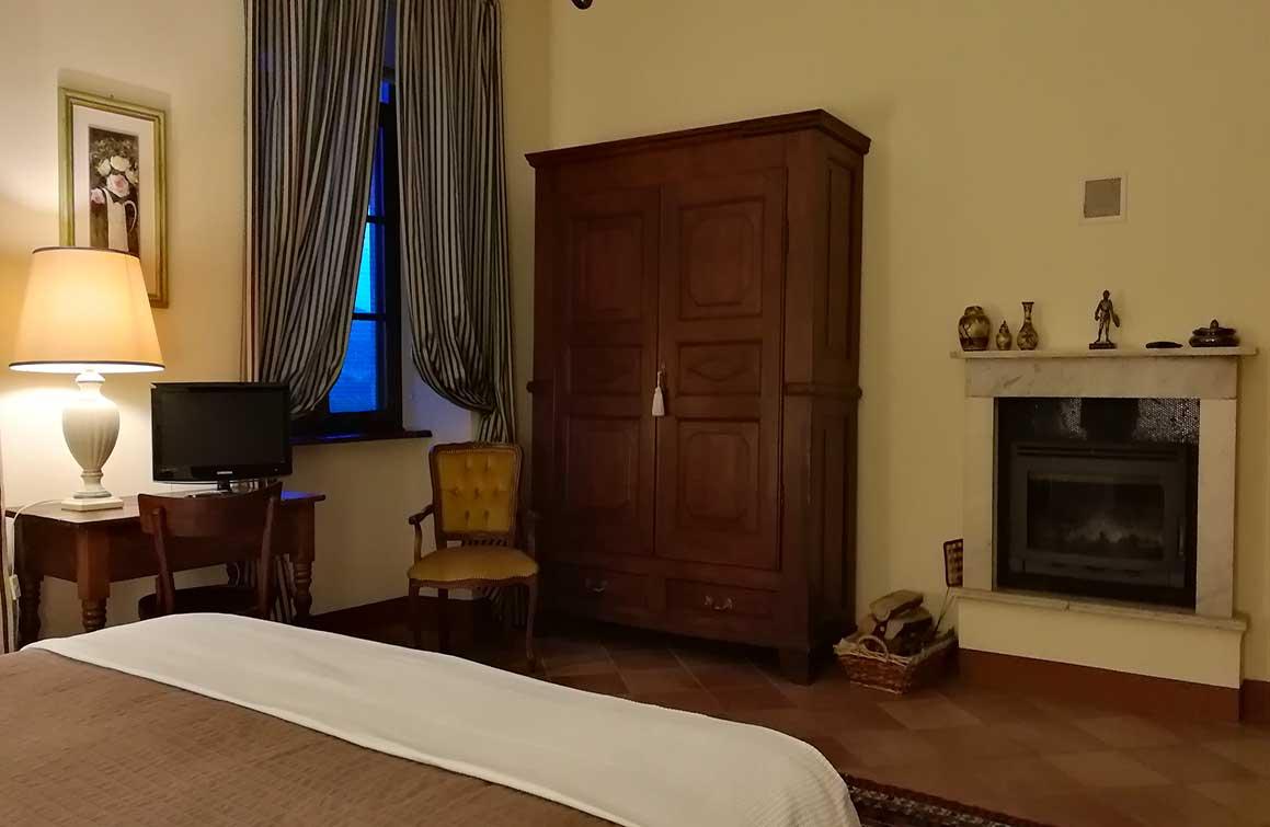 castello-di-camerletto-b&b-caselette-camera-del-cavaliere